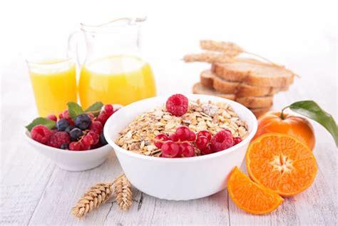 breakfast healthy juice cereal quick fruit