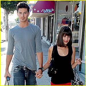 Another 90210 couple?
