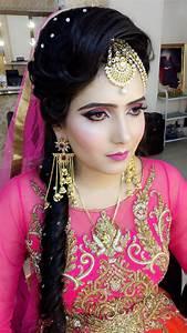 Shweta Gaur Makeup Artist And Academy Bridal Makeup