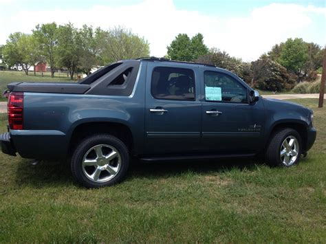 2012 chevrolet avalanche information and 2012 chevrolet avalanche pictures cargurus