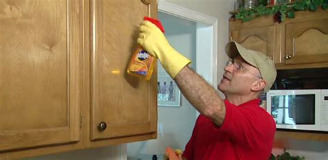 how to clean grease of kitchen cabinets how to remove grease kitchen cabinets information 9710
