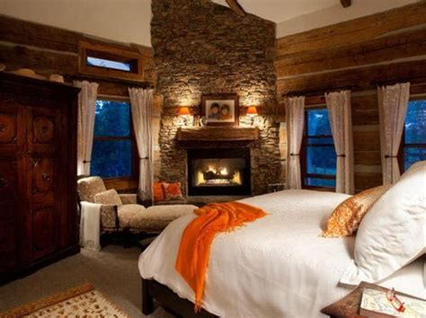 Spectacular And Cozy Bedroom Fireplaces
