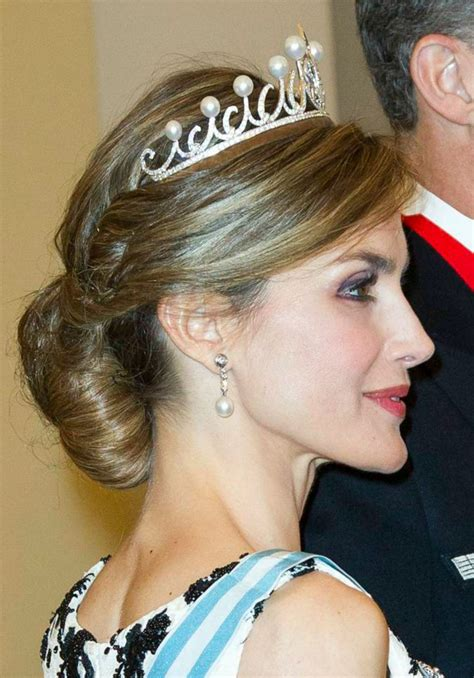 wedding hairstyle ideas worn  real  princess