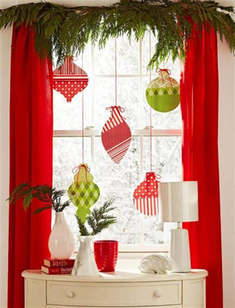 stunning christmas window decorations ideas