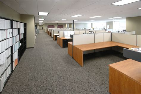 how many office furniture showrooms are near fresno