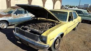 1977 Chevrolet Nova 4dr Sdn   77ch1615d
