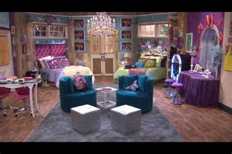 hannah montanas bedroom   moms board  faith