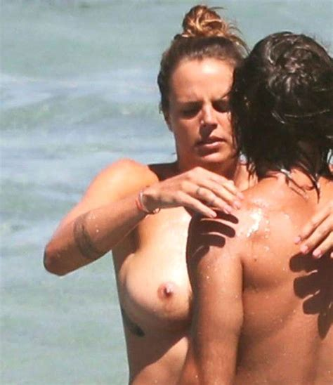 Laure Manaudou Nude Pics Page 1