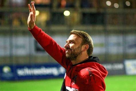 As a player he played as a midfielder. UFFICIALE - Ascoli' Zanetti è il nuovo allenatore - Le Bombe di Vlad