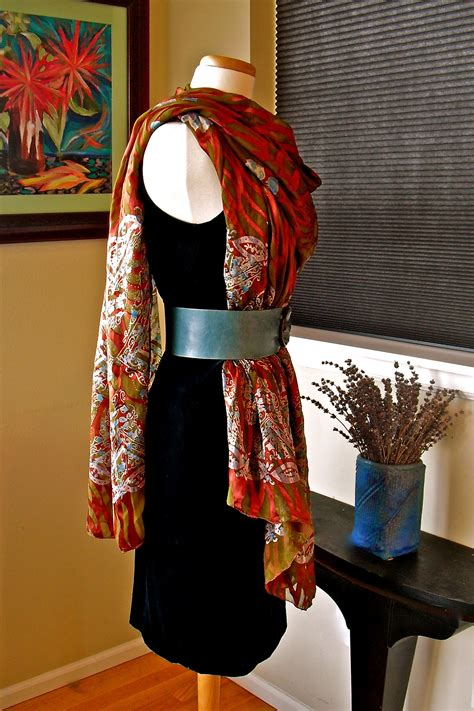 Scarf Draping Styles - how to wear a scarf 171 violette