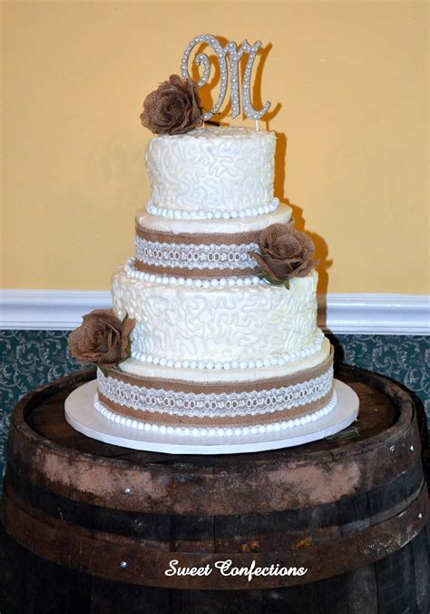 Burlap And Lace Wedding Cake This Is A Four Tier Wedding