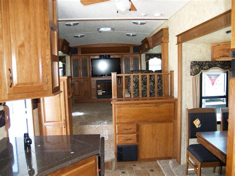 Fifth Wheel Campers With Front Living Rooms  Roy Home Design. Living Room Theaters Tickets. Red Living Room Ideas. Modern Decorating Ideas For Living Rooms. Living In A Box Room In Your Heart. White Tiles Living Room. Midcentury Living Room. Light Fixtures Living Room. Living Room Tray Ceiling