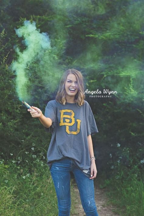 25+ Best Ideas About College Senior Pictures On Pinterest