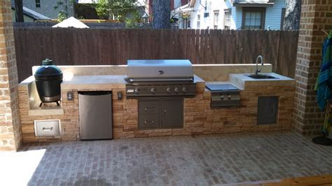outdoor grill with sink this outdoor kitchen by outdoor homescapes of houston