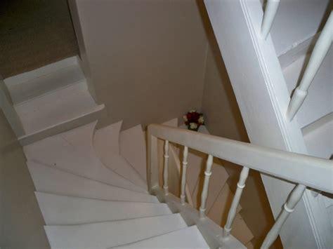 escalier repeint en blanc escalier photo 1 2 escalier repeint en blanc et les murs en