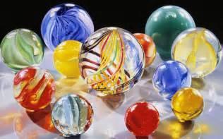 wallpapers glass balls wallpapers