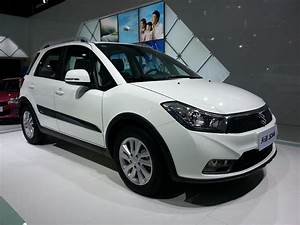 Suzuki Sx4 Cross : suzuki sx4 crossover facelfited version launched in shanghai ~ Medecine-chirurgie-esthetiques.com Avis de Voitures