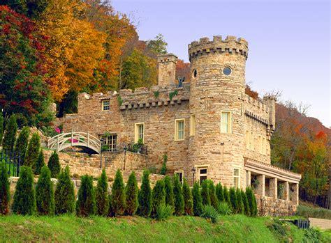 photo  berkeley castle  fall colors americas byways