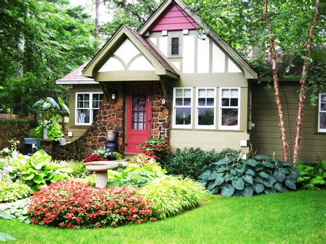 Interesting Front Yard Landscaping With
