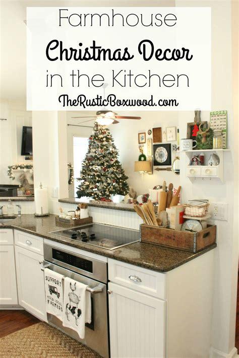 farmhouse christmas decor   kitchen