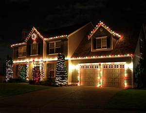 Ideas about christmas house lights on