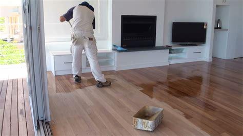 paint  wooden floor  preparing  wooden floor