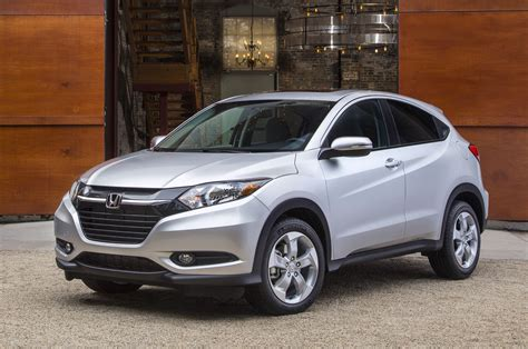 Best Gas Mileage 6 Cylinder Suv by Crossovers With The Best Gas Mileage Motor Trend