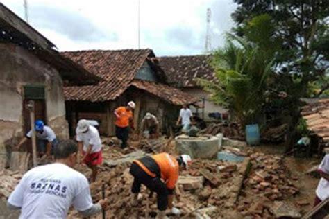 gempa bumi banten relawan baznas bantu korban  lebak