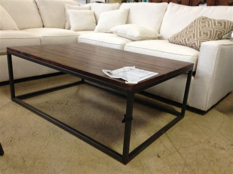 interior groupie living room chair  coffee table