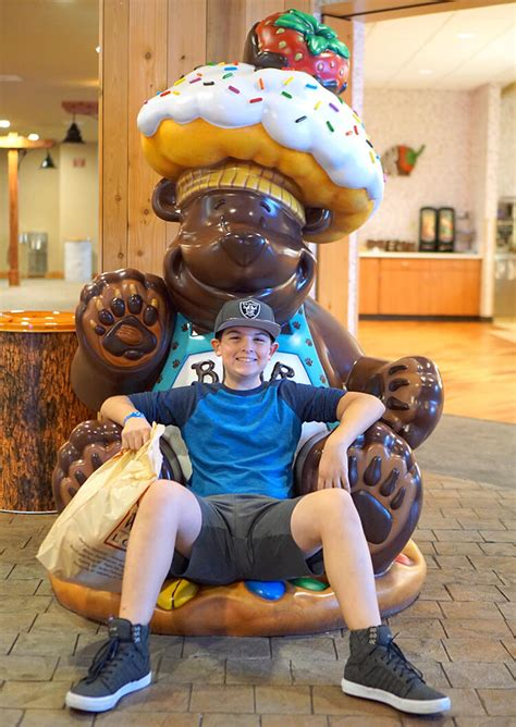 great wolf lodge    hotel  happiness