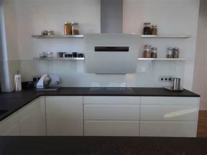 Küche Weiß Hochglanz Grifflos : grifflos wei mit grauwacke modern k che other metro von schorn einbauk chen gmbh ~ Eleganceandgraceweddings.com Haus und Dekorationen