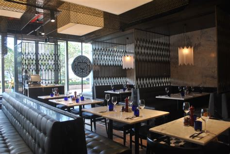 pizzaexpress restaurant mumbai india retail design blog