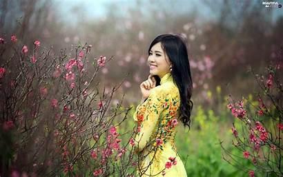 Happy Bush Garden Japanese Spring Wallpapers Flourishing