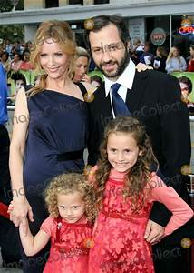 Photos and Pictures - Leslie Mann, Husband Judd Apatow ...