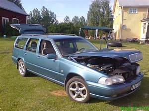 1998 Volvo V70 - Pictures