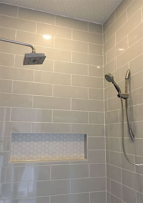 Dusche Fliesen Mosaik by Linear Light Gray Shower Wall Tile With Hexagon Mosaic
