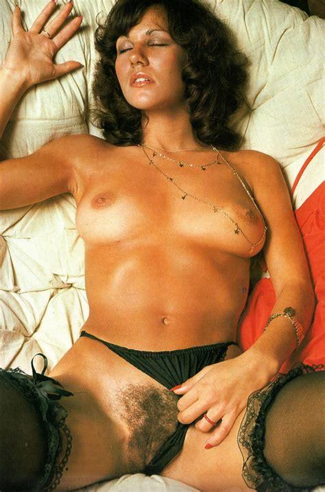 Linda Lusardi Nude Pics Page 1