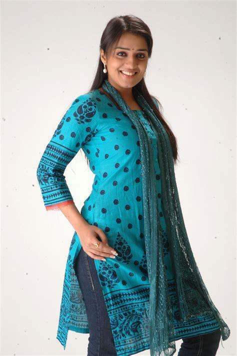 nikitha  beautiful  churidar tamil south tamil