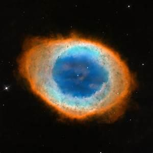 HubbleSite - Picture Album: Hubble Captures a Ring