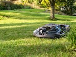 Robot Tondeuse Grande Surface : conseils pour l 39 achat et l 39 utilisation d 39 une tondeuse robot ~ Dode.kayakingforconservation.com Idées de Décoration