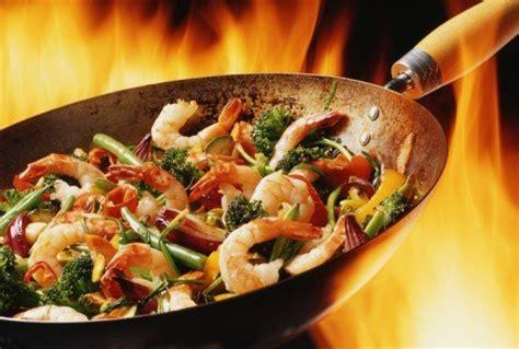 recettes de cuisine au wok recette santé en moins de 15 min le wok de fruits de mer