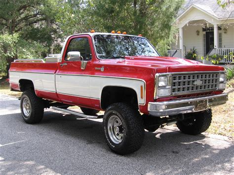 Two Tone Trucks by And White Two Tone Lifted Chevrolet Truck Silly Boys