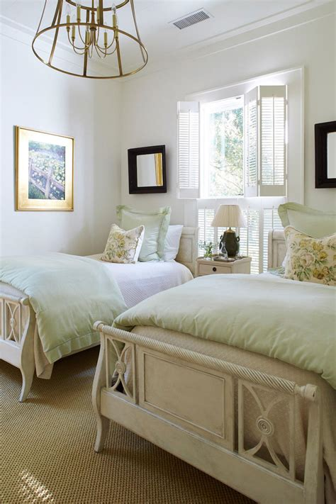favorite  square foot cottage      southern living