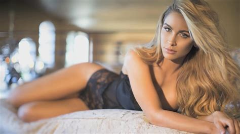 L4L Presents Behind The Scenes with Super Model Ellie Gonsalves! - YouTube