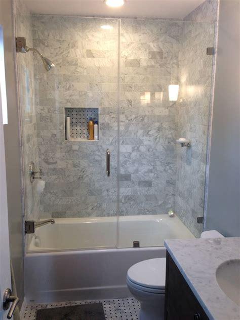 Tub Ideas For Small Bathrooms - best 25 small bathroom bathtub ideas on