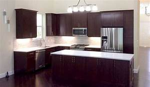 West Palm Beach, Florida, Kitchen with Cherry Cabinets