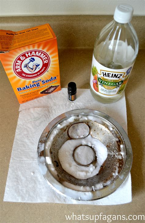 adding vinegar to wash everything you wanted to know about how to clean stove drip pans