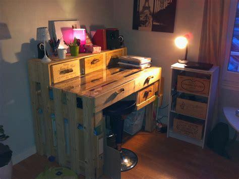 bureau en palette de bois un bureau en palettes margal