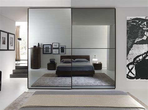 armadi a specchio scorrevoli armadio con ante scorrevoli moderno armadio scorrevole con