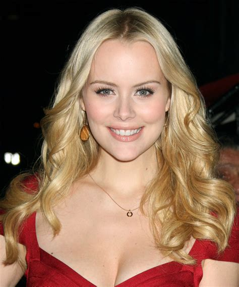 helena mattsson long wavy light blonde hairstyle